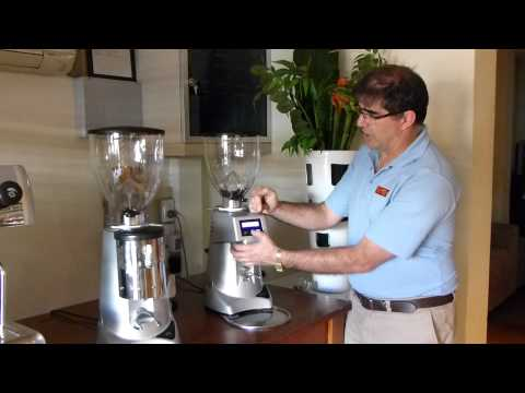 manual vs automatic coffee grinder